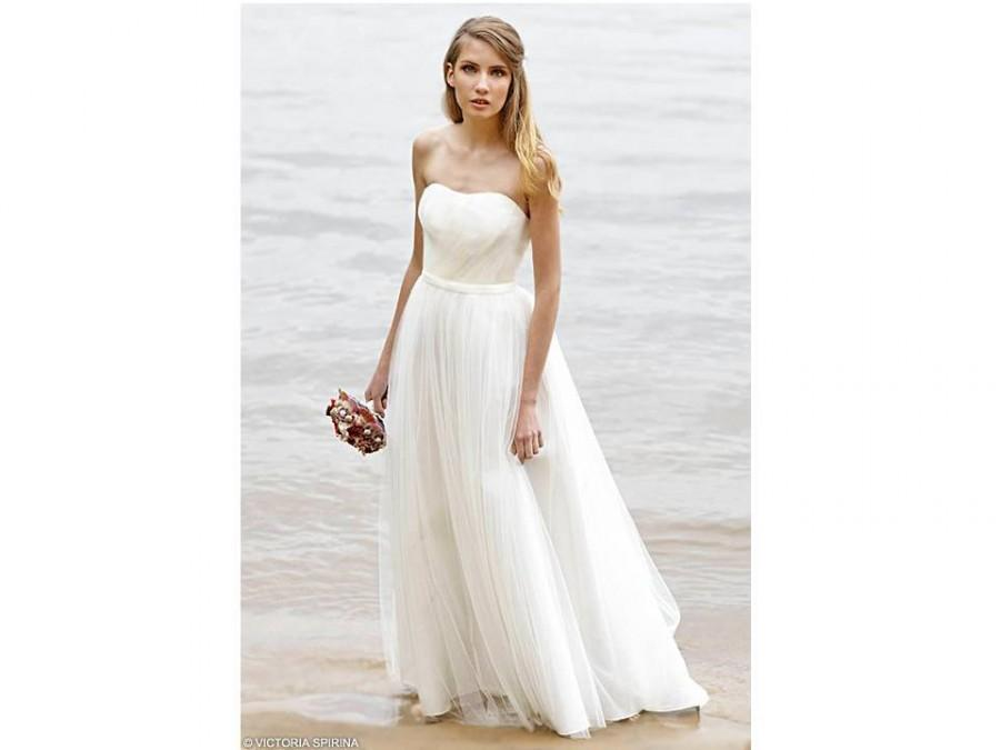 Ethereal wedding dress open shoulders wedding dress for Romantic ethereal wedding dresses