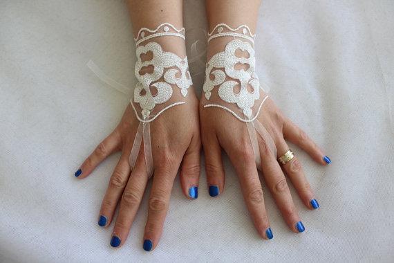 Wedding - wedding,bridal gloves,ivory lace,custom lace style,french lace,Free shipping.