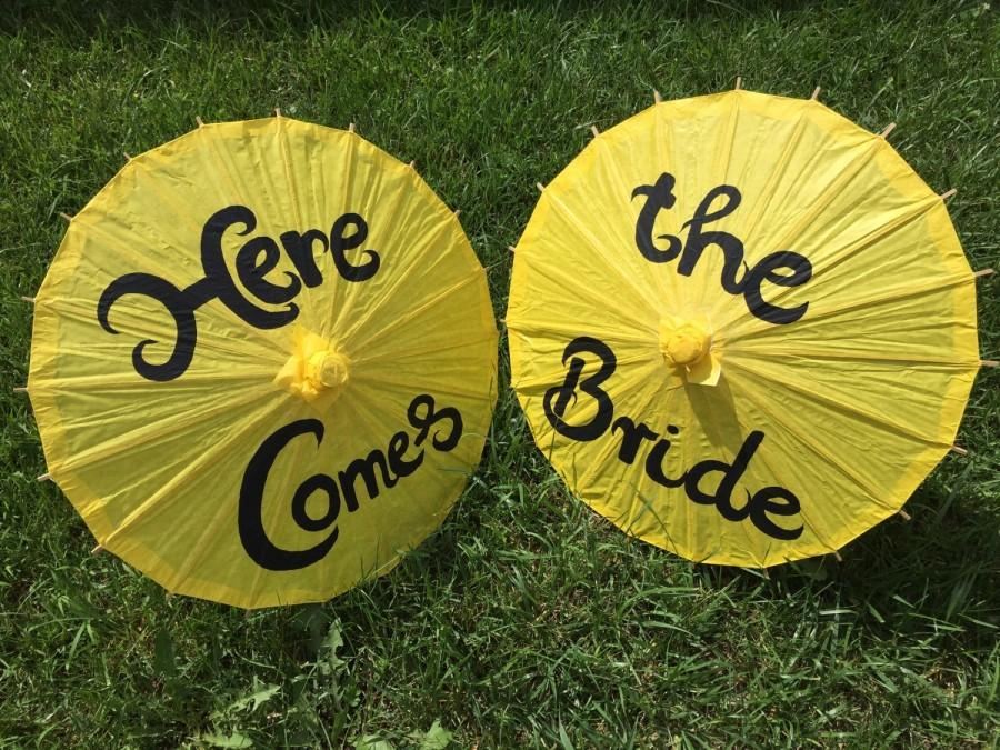 Hochzeit - Two Yellow Wedding Paper Parasols for Flower Girls, Here Comes the Bride, Wedding Ceremony, Wedding Pictures, Paper Umbrella, Child Size
