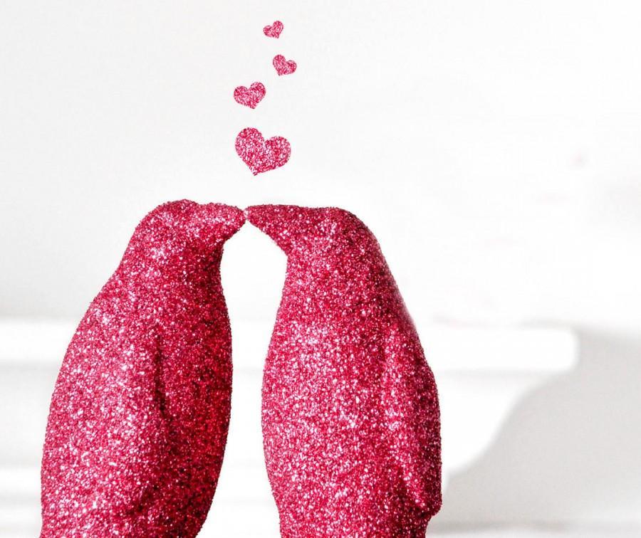 زفاف - Two Kissing Penguins Glitter Wedding Cake Topper or Hot Pink Valentines Decoration. Entertaining, Baby Showers or Children's Nursery Decor