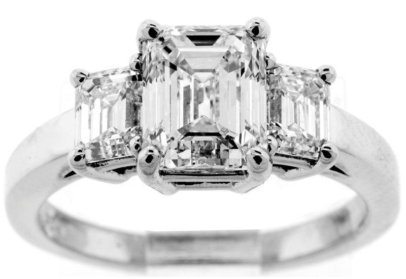 Свадьба - 2.58 CT GEM Quality GIA Certified Emerald Cut Diamond Engagement Ring