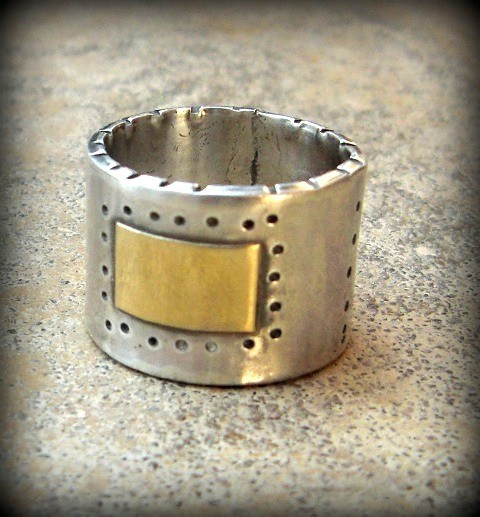 Mariage - silver and yellow  gold band,  wedding band, rustic style gold and silver ring, unisex jewelry, chunky mixed metal band