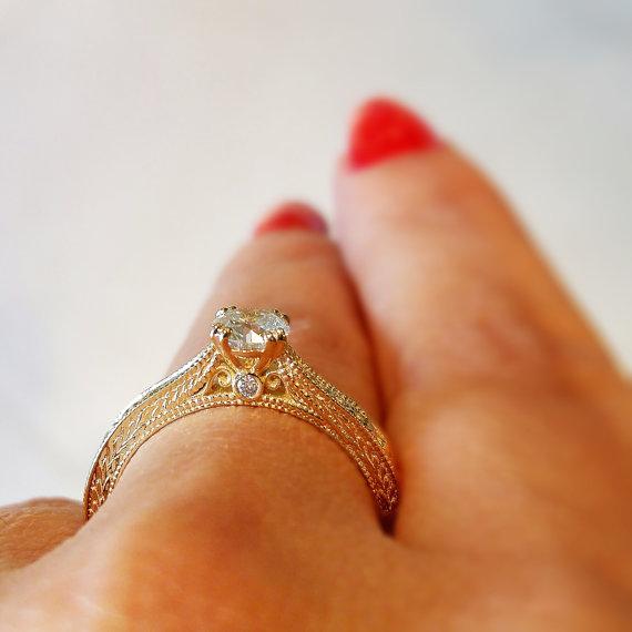 Hochzeit - Vintage engagement ring, 18K Yellow Gold