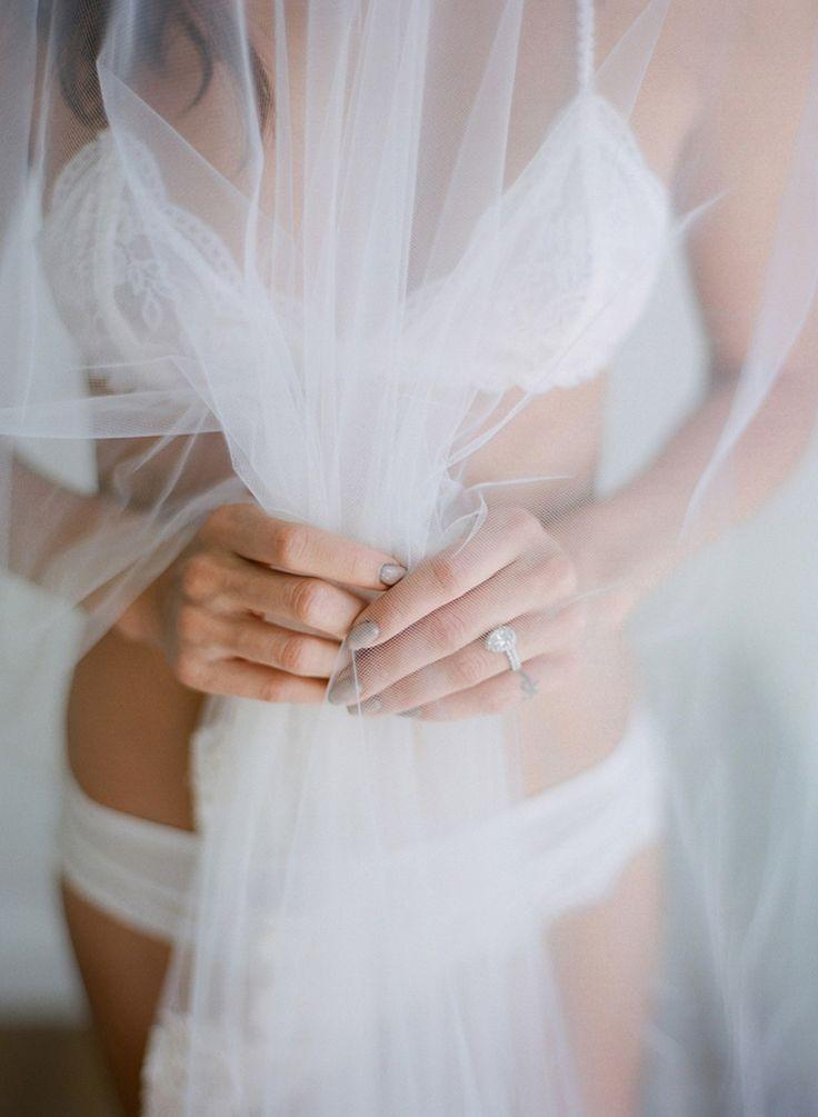 Свадьба - Soft And Sweet Bridal Boudoir Outfit Inspiration By Betsy Blue