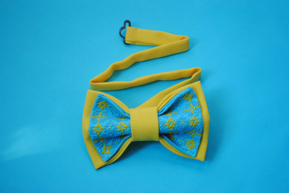 Wedding - Yellow blue bow tie Independance Day in Ukraine Ukrainian modern embroidery Wedding in blue yellow Gift ideas from Ukraine Bow ties for men