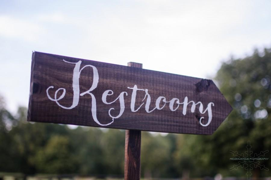 Mariage - Wedding Sign, Wedding Signs - Wedding Restrooms Sign Rustic WS-11