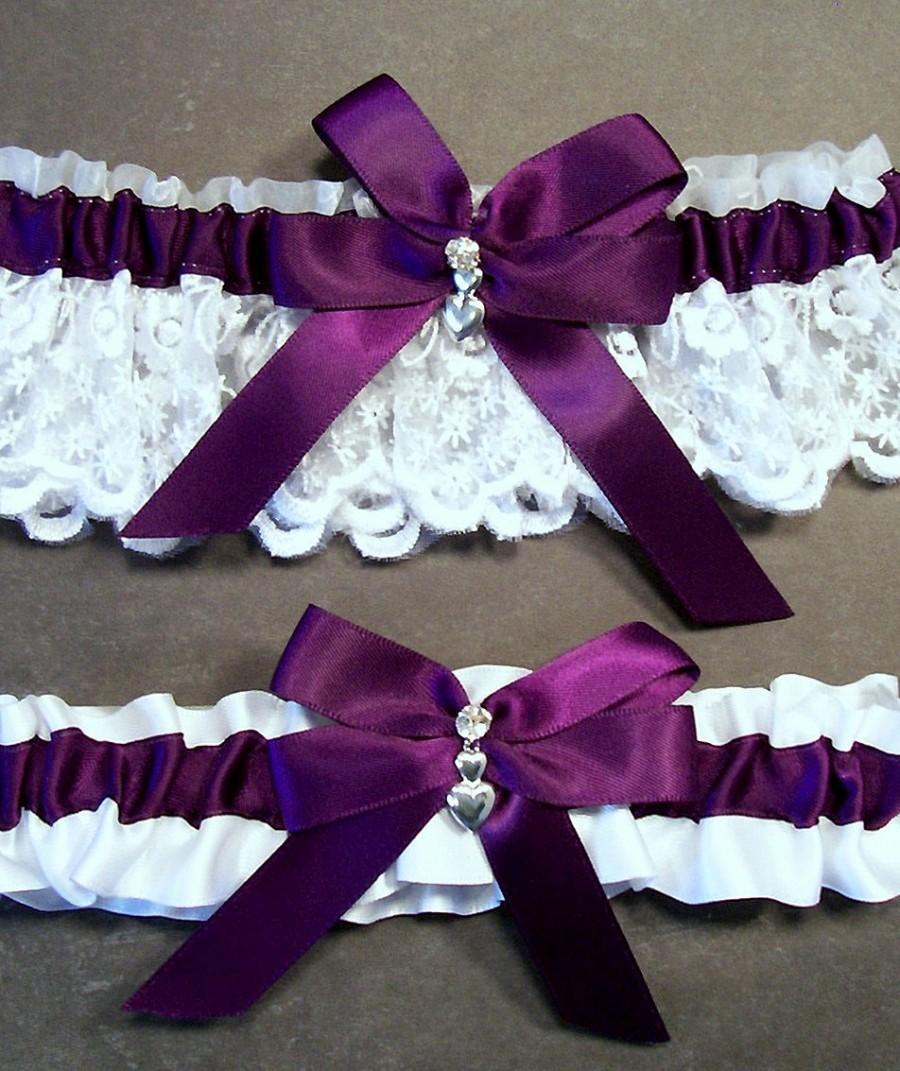Свадьба - Plum Purple on White Wedding Garter Set Bridal Garter Set, Plum on White Keepsake Garter Toss Garter, Bow with Rhinestone and Hearts Charm