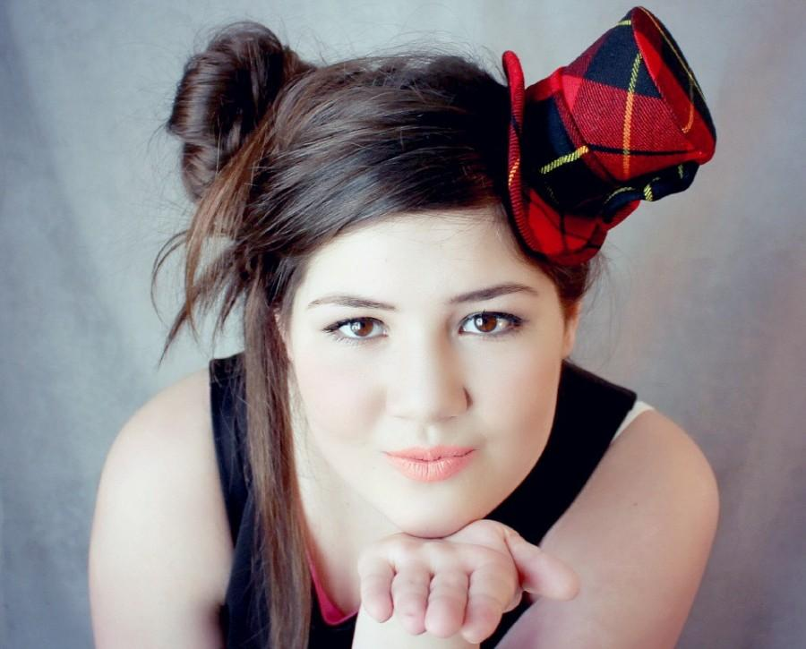Свадьба - Scottish Mini Top Hat , Scottish Wedding , Tartan Fabric , Tartan Hat , Tartan Headband , Mini Top Hat , Mini Hats , Bridal Shower
