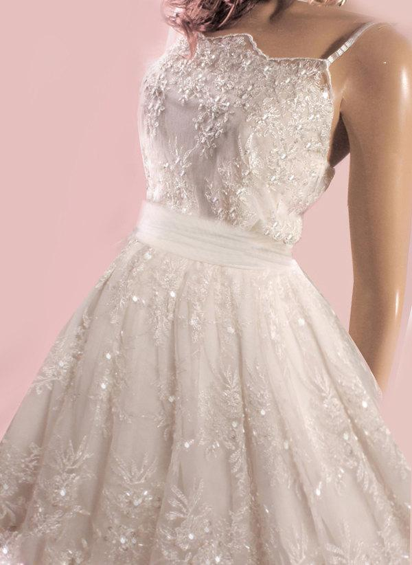 Mariage - Unique/Short /wedding /beading  lace dress /reception A-Line  dress  embroidered with delicate beads and sequins