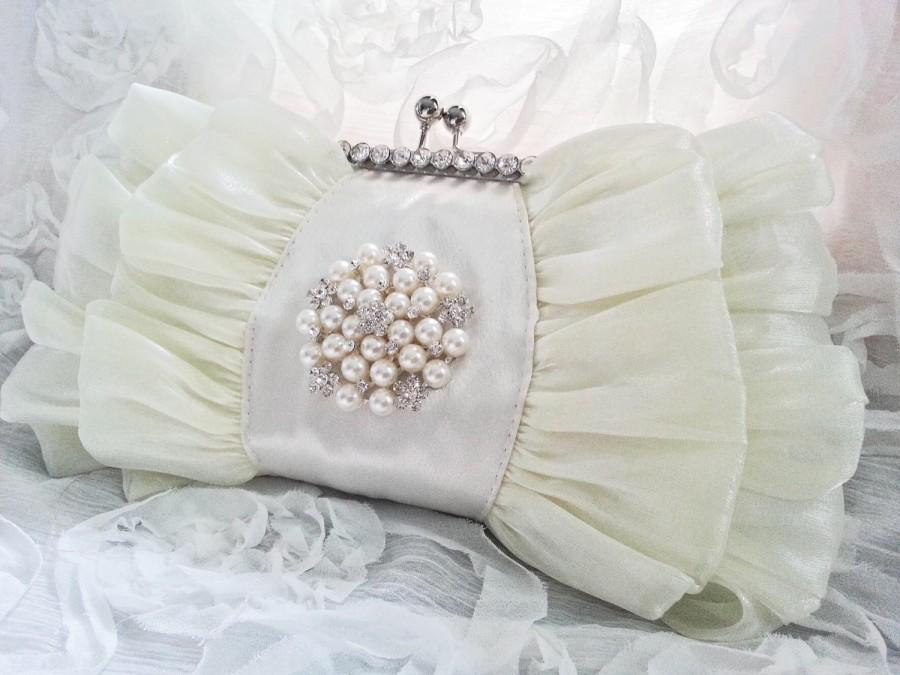 Wedding - Ivory Chiffon Pearl Bridal Clutch - Pearl Flower Brooch  Clutch- Cream Satin Elegant Wedding Bag - Bridesmaid Purse - Vintage Style
