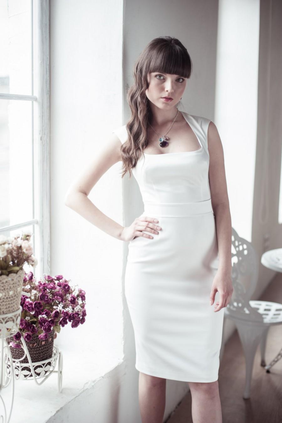Mariage - Fitted style short wedding dress M3, Romantic wedding gown, Classic bridal dress, Custom dress, Rustic gown, Winter Wedding