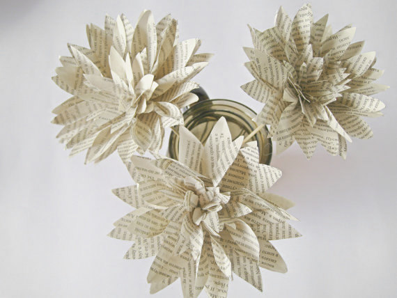 Mariage - Set of 3 Book Page Paper Flowers, Stem Dahlias, Book Paper Dahlias, Book Paper Wedding Decor, Eco Wedding, Centerpiece, Vintage Paper Flower