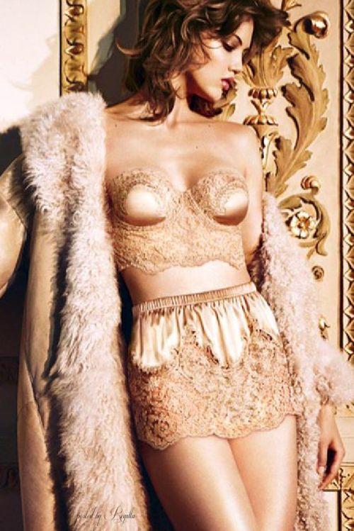 Hochzeit - Dark Nude Lingerie - Shop Now