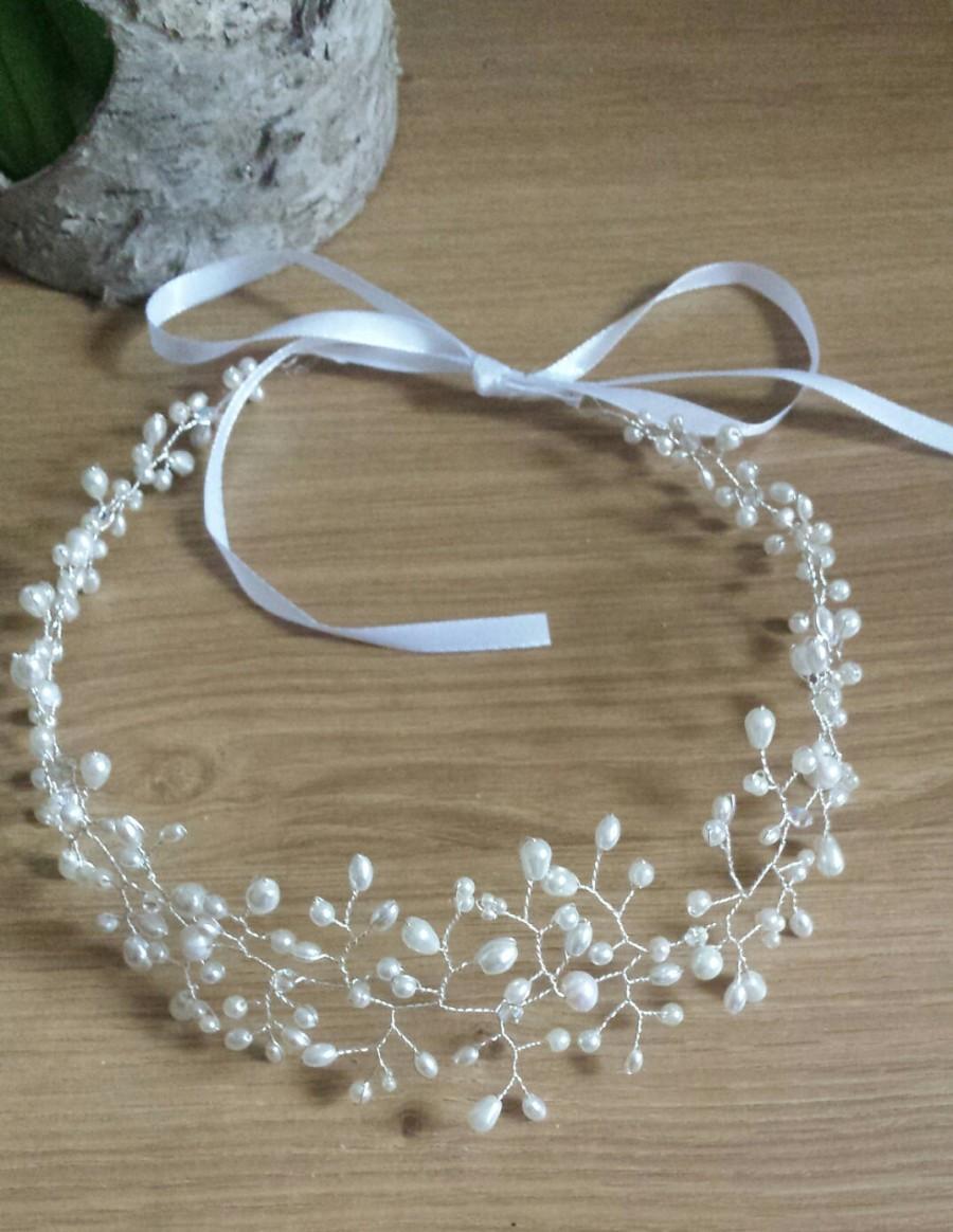 Свадьба - Silver hair vine, white pearl hair vine, ivory pearl halo, pearl and crystal bridal headpiece, freshwater pearl hair accessory