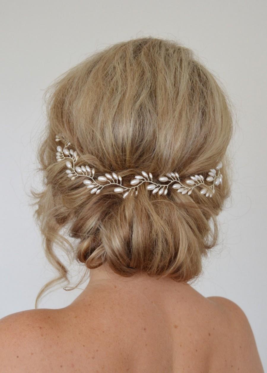 Mariage - Art Deco Bridal Hair Vine, Pearl Bridal Wreath,Rice Pearl Wedding Halo, Wedding Hair Vine, Fern Leaf Bridal Headpiece, Bridal Halo,15 inches