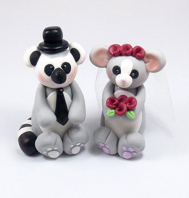 Hochzeit - Wedding Cake Topper, Lemur, Bush Baby, Bride and Groom, Personalized Cake Topper