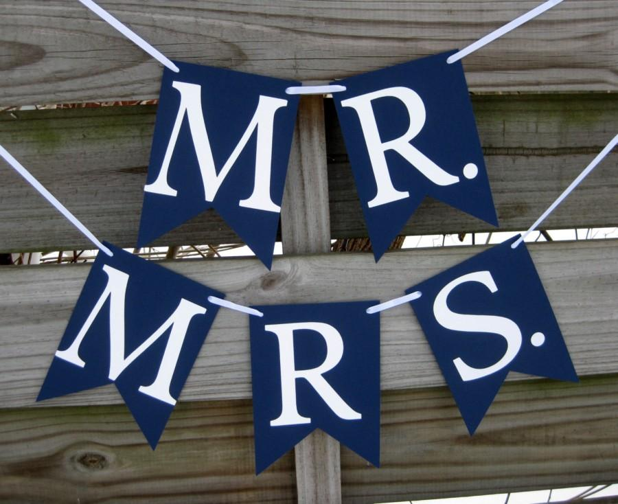 Mariage - Mr and Mrs Banner Set in Navy - Wedding Photo Prop and Chair Signs