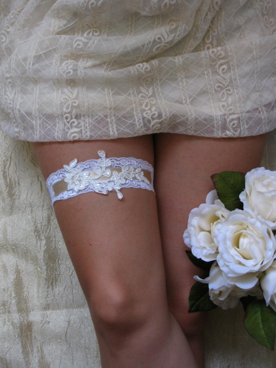 زفاف - LORA Style- SALE- White Lace Wedding Garter, Bridal lace garter, Wedding lace garter, Lace bridal garter, White lace garter, White garter