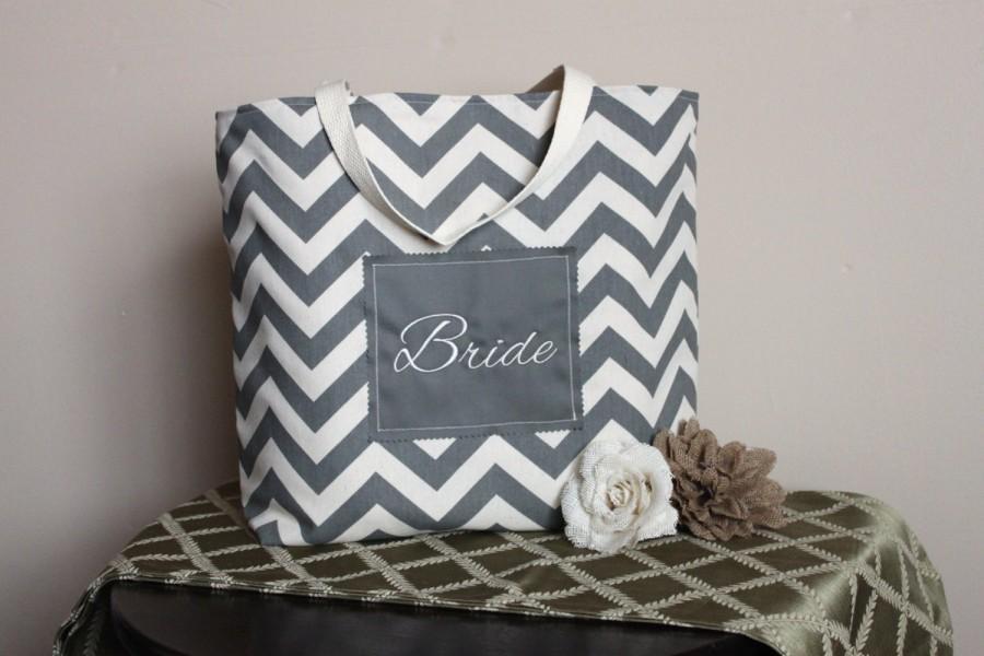 Mariage - Bride Grey Chevron Tote in Duck Cloth Canvas - Fiance, Bride to be, Bridal Shower, Wedding, Purse, Beach, Gift-Favor-Goodie Bag