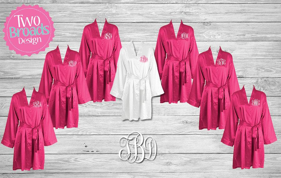 Свадьба - Bridesmaid Robes, Satin Bridesmaid Robes, FREE Robe set of 6 or More, Wedding Robe, Personalized Robe, Bride Robe, Bridal Party Gifts