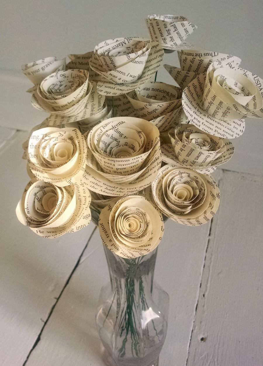Mariage - Book Page Roses - Set of 30 - Stemmed Roses - Book Themed - Wedding Flowers