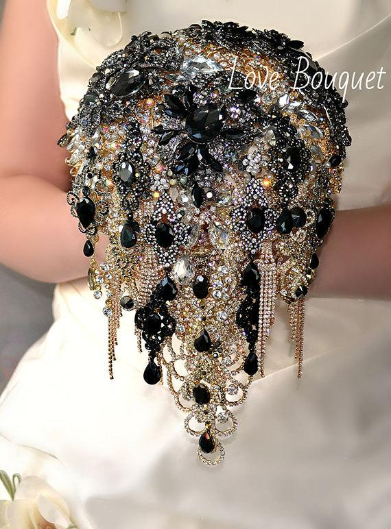 Hochzeit - Black Brooch Bouquet, Cascading Black and Gold Silver Wedding Bouquet, Bridal Bouquet, Jewelry Bouquet, Crystal Gothic Wedding Bouquet