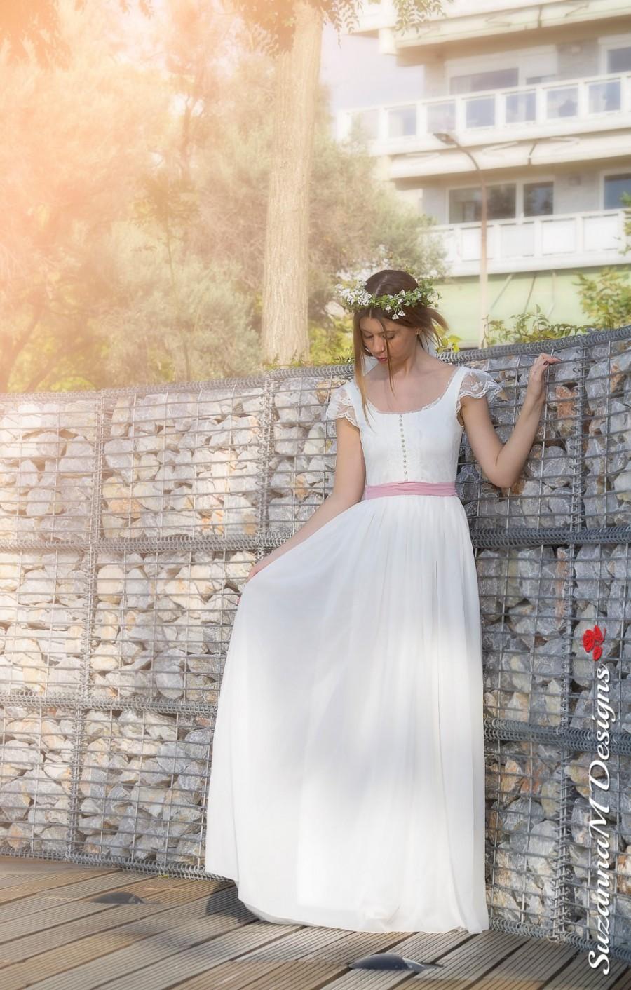 Mariage - Bohemian Wedding Dress, Bohemian Bridal Dress, Bohemian Bridal Gown, Bohemian Wedding Gown, Ivory Wedding Dress, Sleeveless Wedding Dress