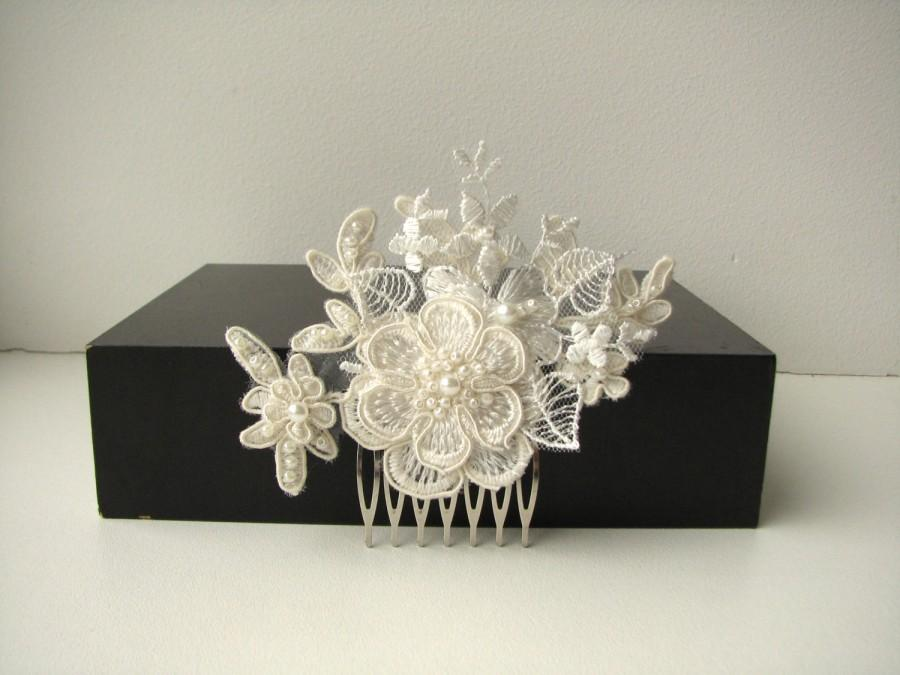 Mariage - Bridal lace headpiece Hair comb Ivory floral wedding hair piece Beaded lace