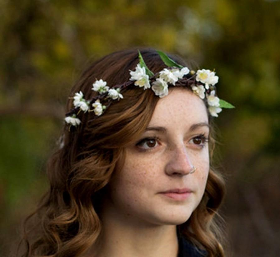 Mariage - Ivory Bridal Flower Crown Woodland headwreath Rustic Chic Wedding accessories halo blossoms hair wreath winter circlet Summer fall Australia