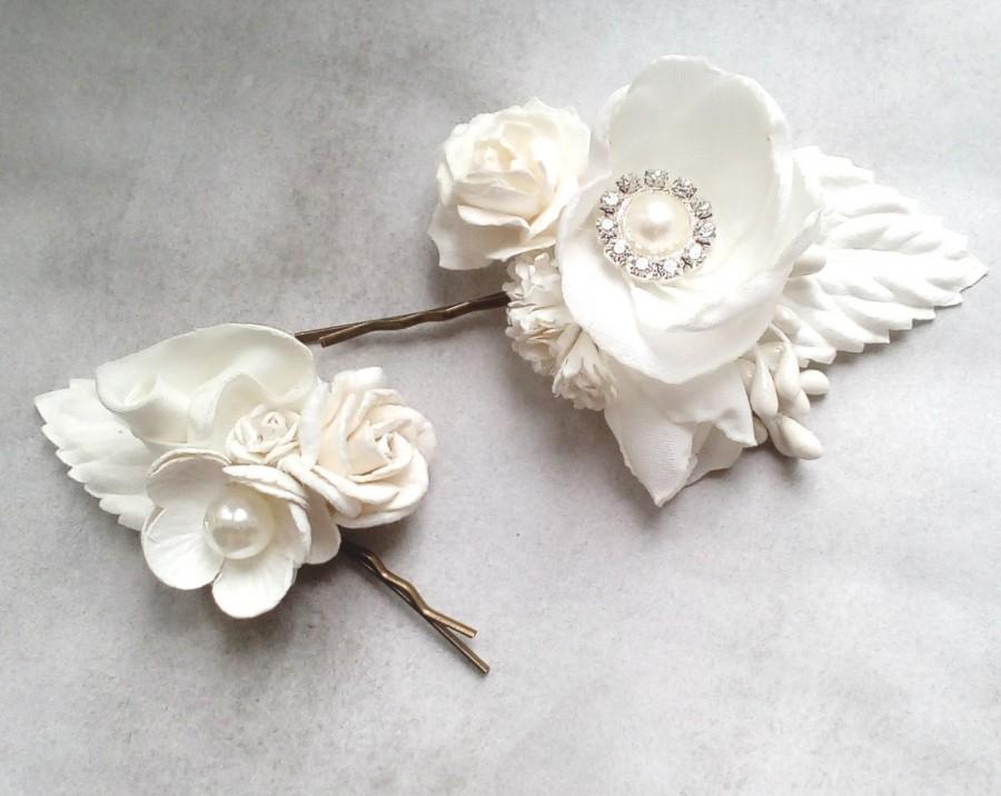 82ba62c401340 White Flower Bobby Pins