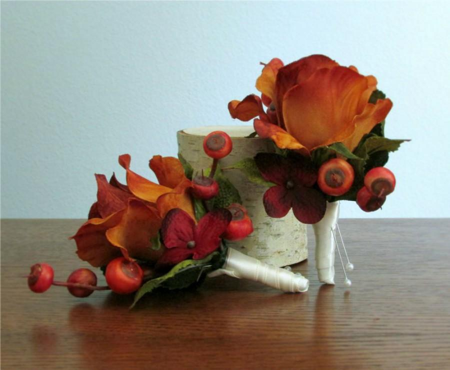 "Mariage - Burnt Orange Rose Boutonniere, Burgundy Red Hydrangea and Berries, Autumn, Fall Wedding, Groom, Groomsmen, Ushers, ""Devoted"""