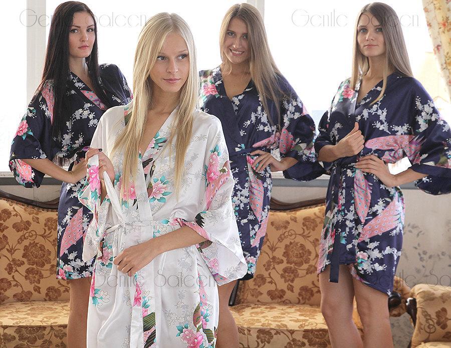 Свадьба - Bridesmaid Robes, Set of 5 Bridesmaid Satin Robes, Kimono Robe, Fast Shipping from New York, Regular and Plus Size Robe