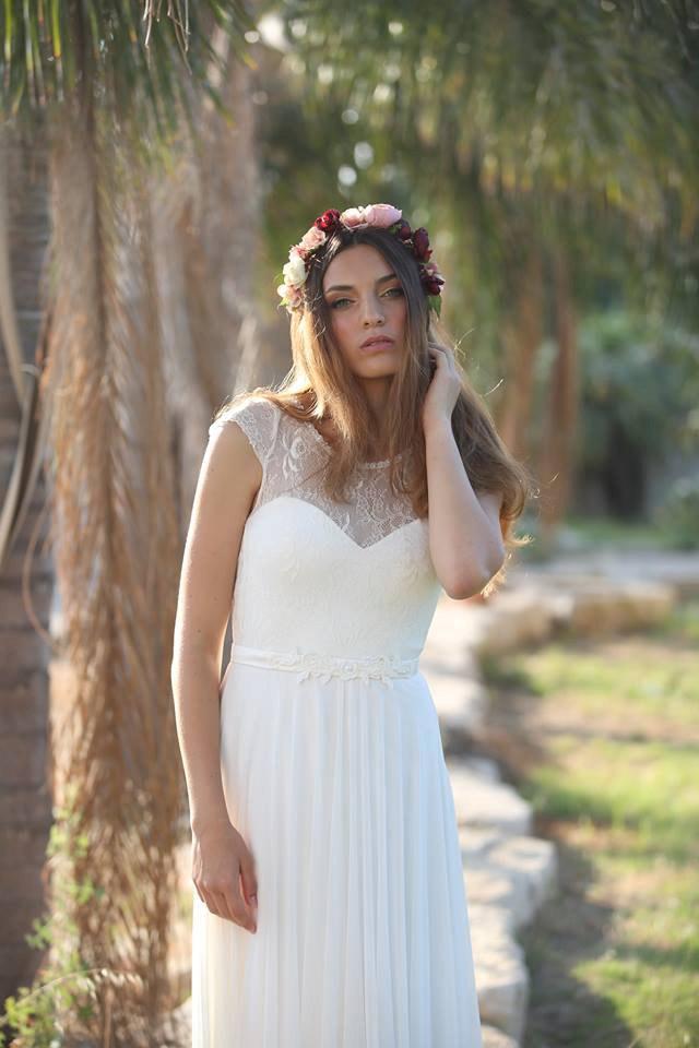 Mariage - Catherine   -Romantic wedding dress with lace top and chiffon skirt, boho wedding dress, backless  wedding dress, beach wedding dress