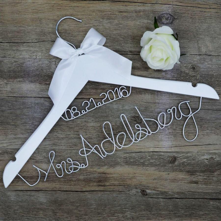 Mariage - wedding hanger Custom wedding hanger/ Bridal dress personalized hanger/ Bridesmaid unique hanger