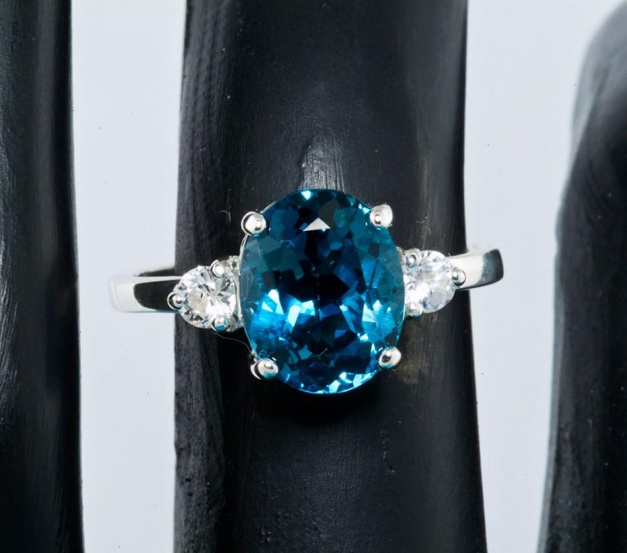 زفاف - London Blue & White Sapphire Alternative Engagement Ring