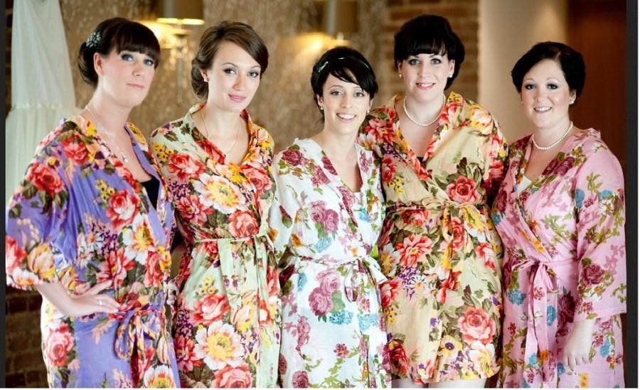 Set Of 5 Bride Kimono Robes Bridemaid Gift Different Colours Plus Size Maid Honor Spa Robe Beach Bridal Party