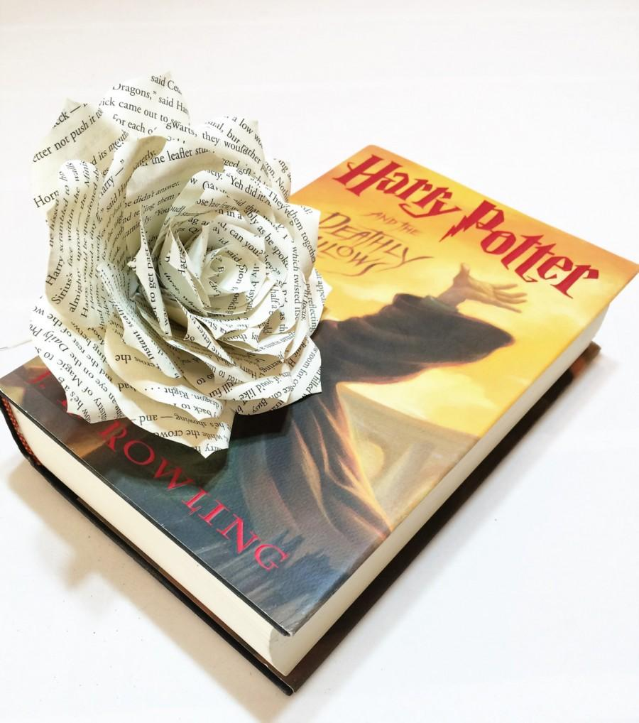 Mariage - Book flower, Book page flowers, Book paper Rose, Paper book Flower, Bridal flowers, Harry Potter book flower, Harry Potter bouquet flower