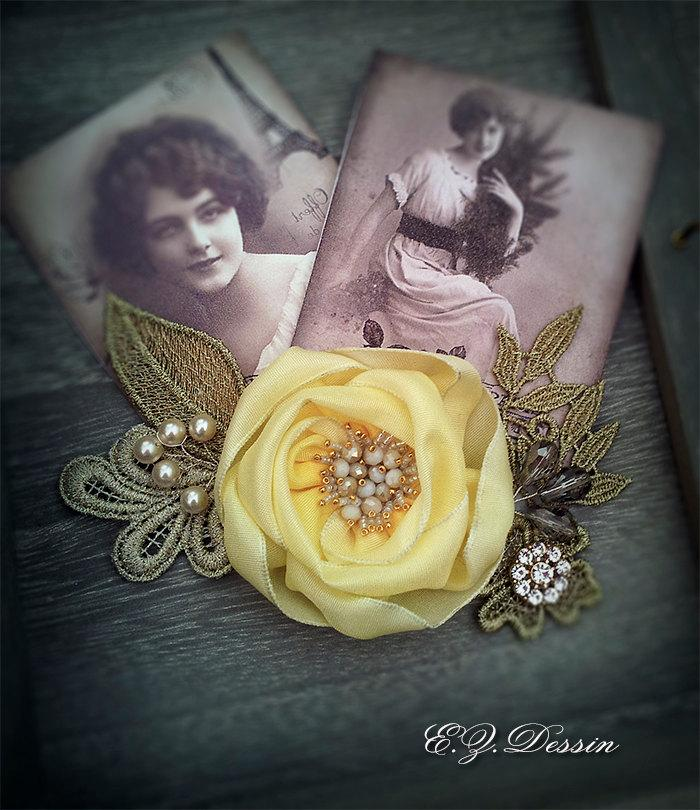 Mariage - Vintage hair accessories. Decorative Applique . Light yellowflowers.