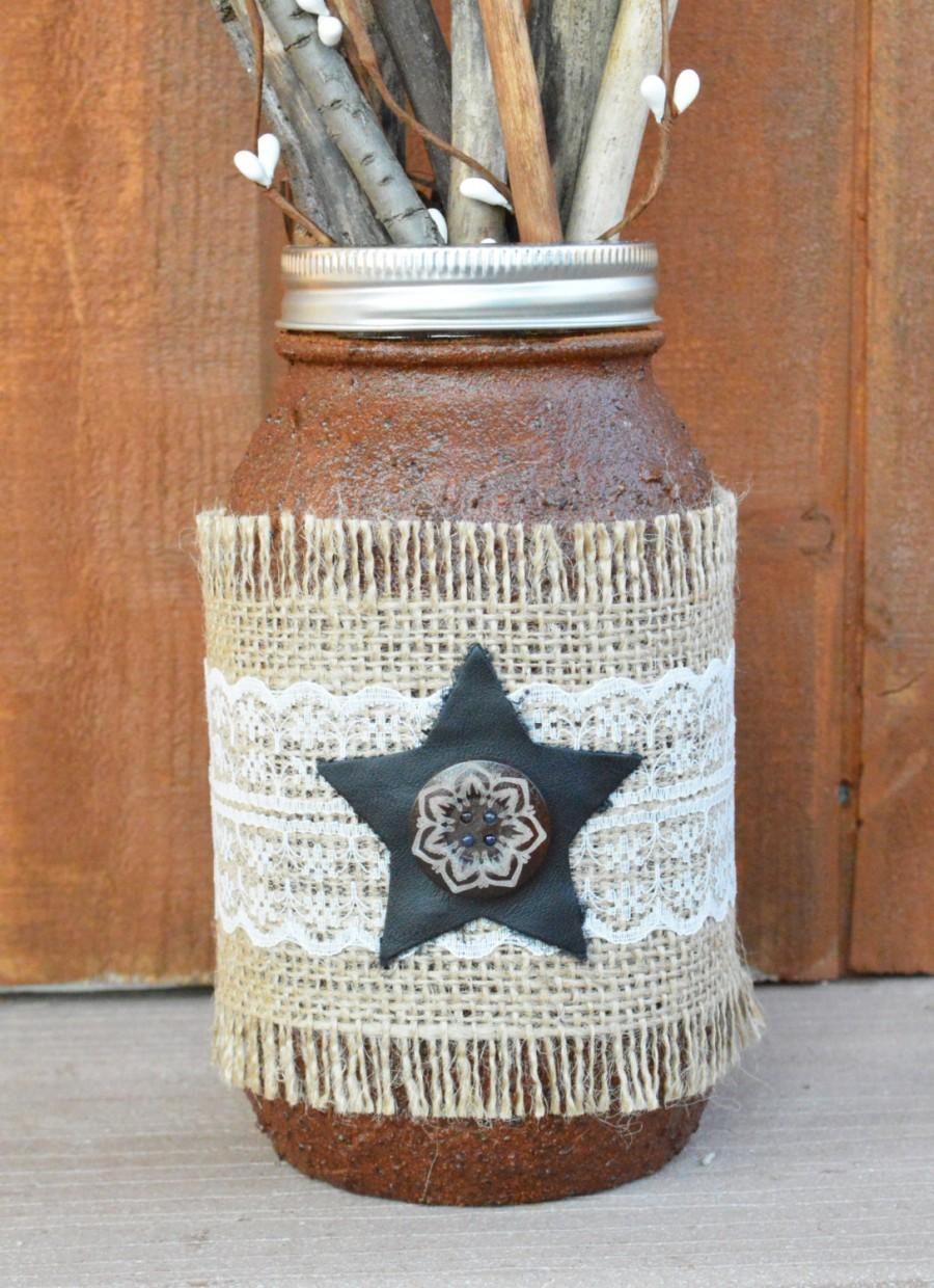 Свадьба - Lace, Leather and Burlap Grubby Mason Jar with Star - Quart Size Jar - Primitive Vase - Rustic Home Decor - Barn Wedding - Shabby Chic