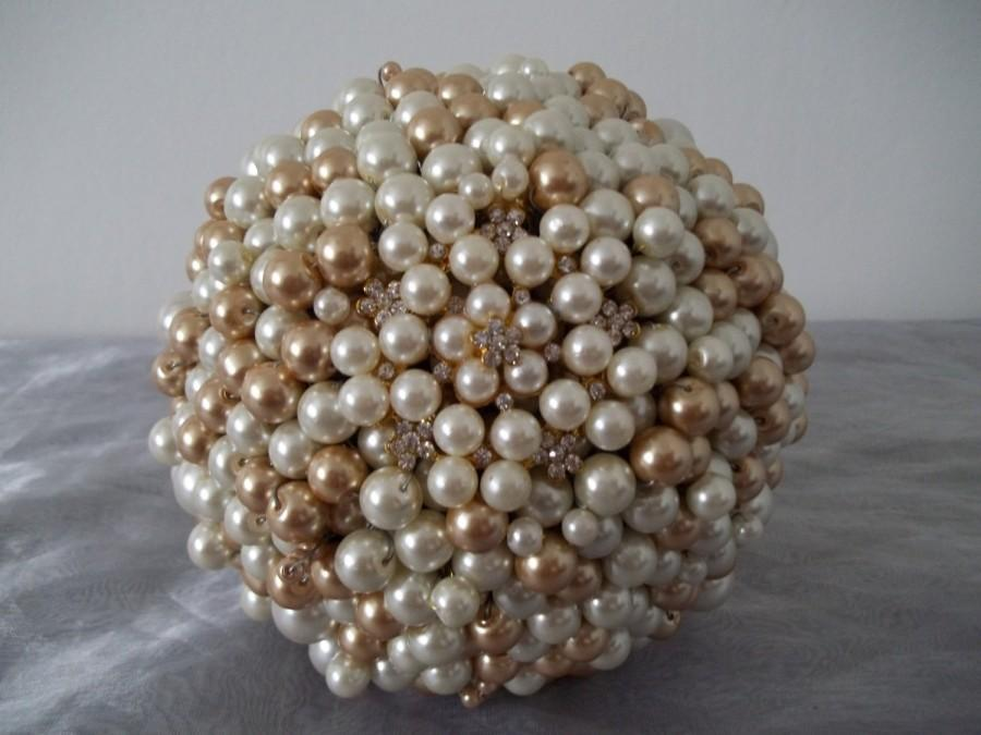 Свадьба - Ivory and Gold Pearl and Brooch Bouquet. Bridal Bouquet.