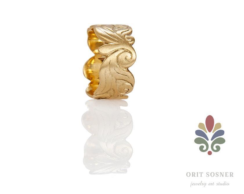 Свадьба - Gold Floral Pattern Wedding Ring, Floral Wedding Band, Queen Ring, 18k Gold Wedding Ring, Alternative Wedding Ring, Engraved Wedding Ring,