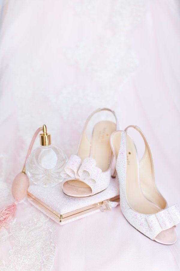 Hochzeit - You'll Want To Steal This Bride And Groom's Sweet Design Ideas