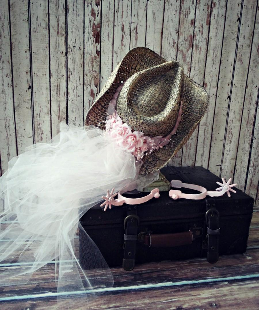 Свадьба - Pink-Bachelorette-party hat-cowgirl hat-western wedding veil-cowgirl hat and attached veil-western wedding decor-photo prop-sign-bride veil