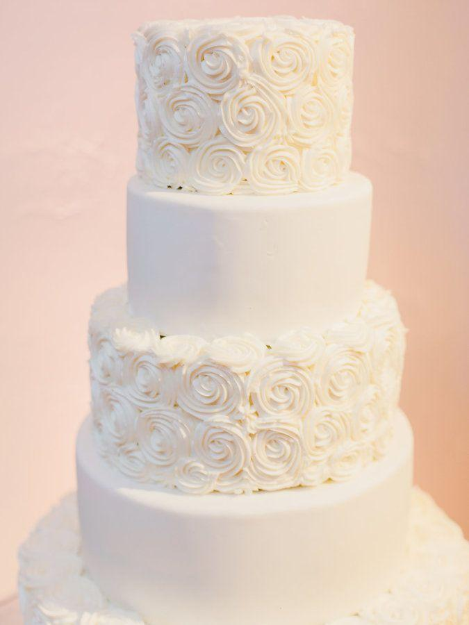 Свадьба - A Modern Desert With A White Monochromatic Palette
