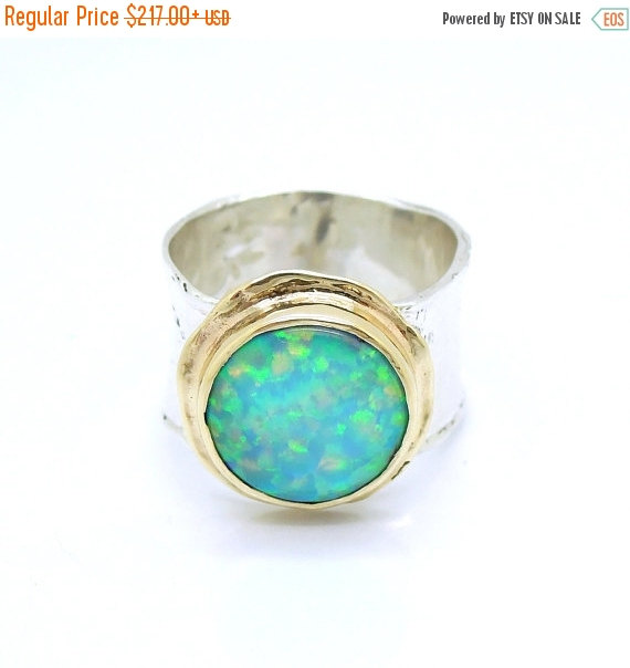 Hochzeit - ON SALE Opal ring set in gold and a silver curvy band