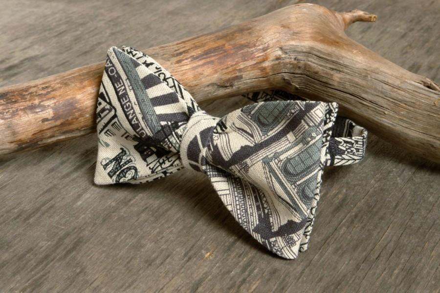Mariage - Bow Tie London city  /  Bow Tie Antique White  with Gray Print / Classic Bow Tie / Wedding Bow Tie