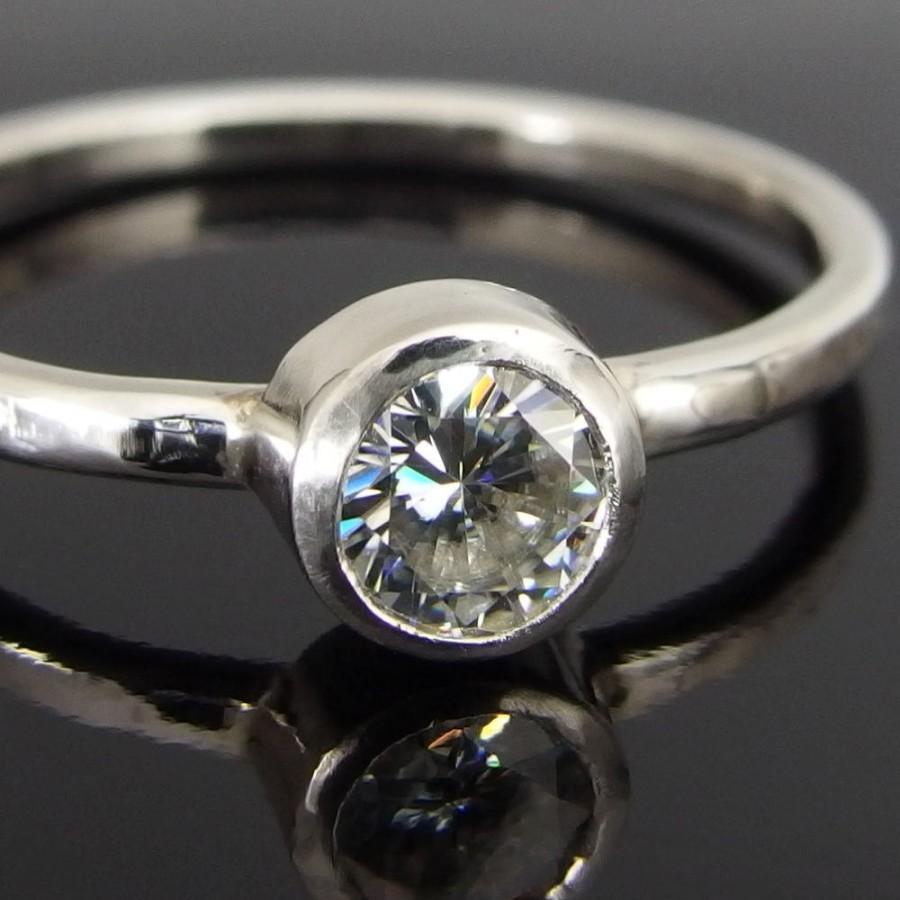 زفاف - Moissanite and 14k White Gold Ring, 14k Gold Ring, Moissanite Engagement Ring, Moissanite Wedding Ring, Alternative Engagement Ring