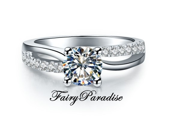 Mariage - 1 Ct Round Cut Man Made Diamond Engagement Ring / Promise Rings, Pave Twisting Split Shank  with gift box - made to order (FairyParadise)
