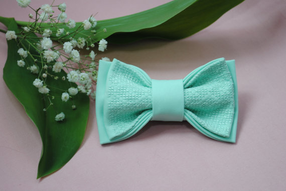 Wedding - Men's bow tie Bowtie in mint Groomsmen bow ties Gifts for sister Wedding bow tie Gift for him her Groom Fliege für Männer Anniversary gifts