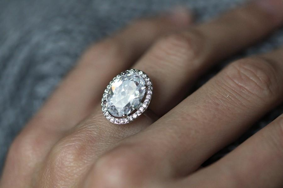 Large Gold Oval Fb Moissanite And Diamonds Halo Engagement Ring Diamond